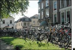 NL/Utrecht/LucasBolwerk (oopsfotos.nl) Tags: light holland netherlands sparkles backlight mess utrecht centre parking thenetherlands bicycles dreamy r1 oop cycles lucasbolwerk