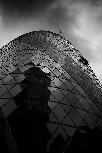 The Gherkin - cleaning windows