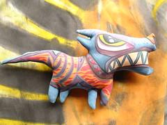 Hot Blue Dog (el Malk menor) Tags: de y bad escultura urbana soja mala leche mlk iluminada malk algodn vastagos intervencin bastardillos malaletxe