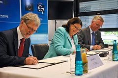 European Commission and EIROforum pledge to ex...