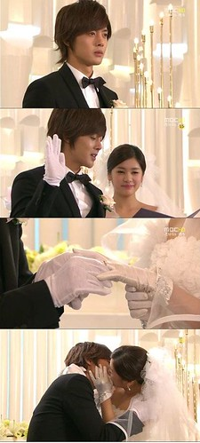 Playful Kiss (8)