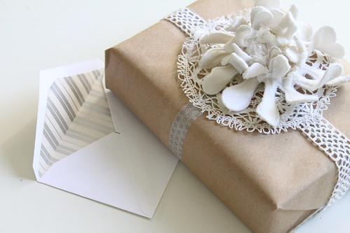 Compai's {earth friendly} gift wrapping ideas