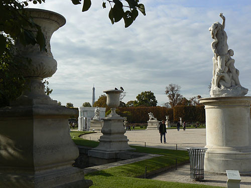 sculptures aux Tuileries.jpg