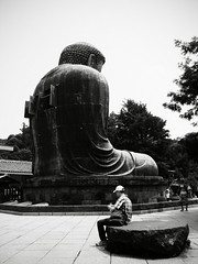 sit (motocchio) Tags: summer people bw monochrome japan temple back buddha kamakura july daibutsu 2007 sitdown greatbuddha alienskinexposure