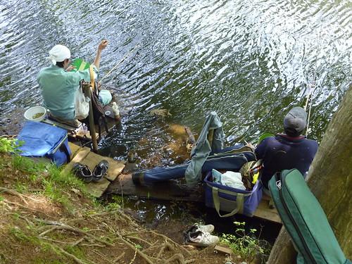 [Fishers at the lake.]
