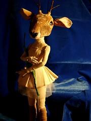 Muñeca con cabeza de ciervo (Valeria Dalmon) Tags: muñecalunarparalisa