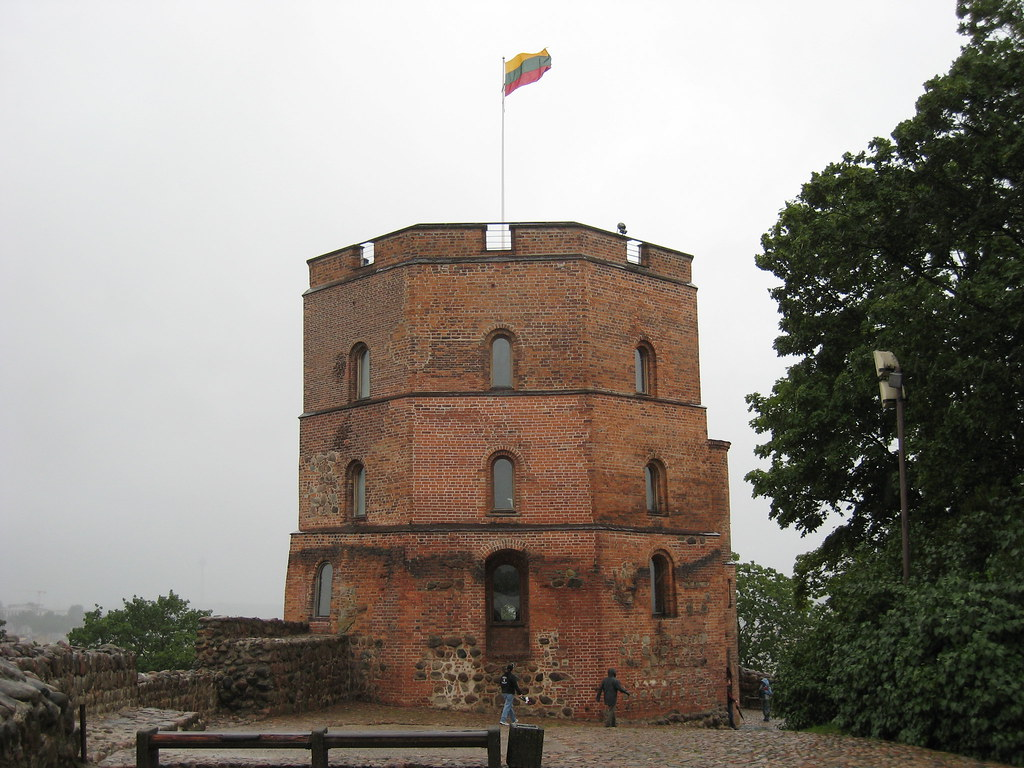 the gediminas castle essay All lithuanians know a legend about establishment of vilnius city it was the  beginning of 14th century when lithuanian grand duke gediminas stopped for  an.