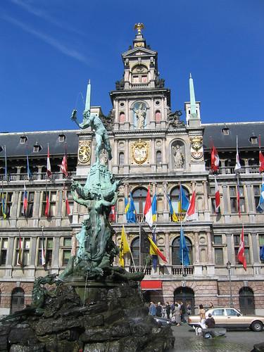 Gran Plaza, Grote Markt, Stadhuis por POLISEA.