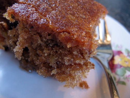 walnut and cinnamon syrup cake