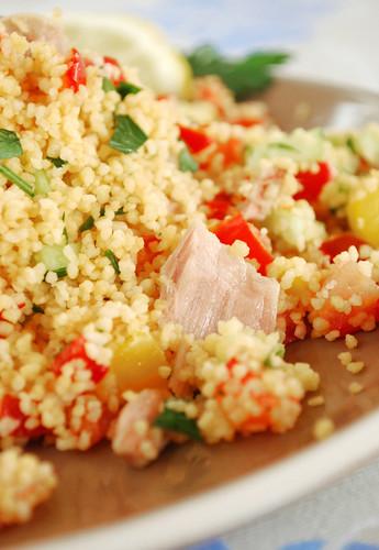 Tabulè con verdure e tonno