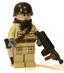 Weird War II Allied Soldier (*Nobodycares*) Tags: soldier lego m1 wwii helmet worldwarii ww2 guns knive tommygun uas sheath kabar brickarms sluban mmcb weirdwarii
