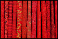 Burma Free (EssjayNZ) Tags: red love 1025fav 510fav freedom burma fabric cloth essjaynz 2007 50v5f interestingness48 i500 taken2007 superbmasterpiece brillianteyejewel birmanialibera sarahmacmillan