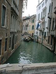 DSCF0006 (lilbuttz) Tags: bridge venice italy hotel canal gondola accentflorencespring2002