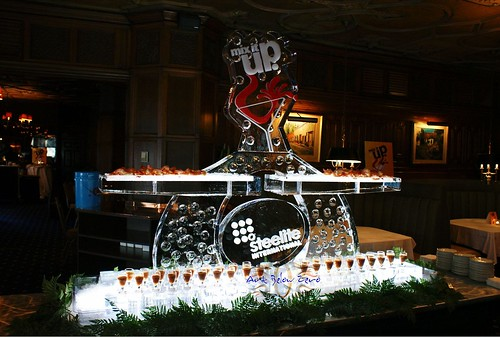 Steelite International Seafood and Shot Glass display ice sculpture