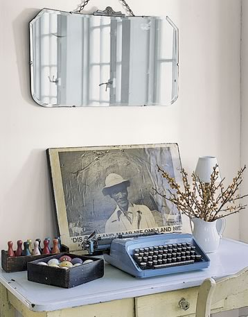 Vintage Typewriter Cravings + Country Living Galleries