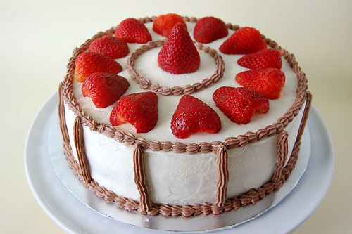 French Strawberry Cake Order