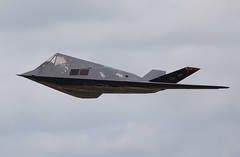 F-117 (Si 558) Tags: tattoo force aviation air united royal international states lockheed usaf raf nighthawk 2007 fairford f117 riat stealthfighter