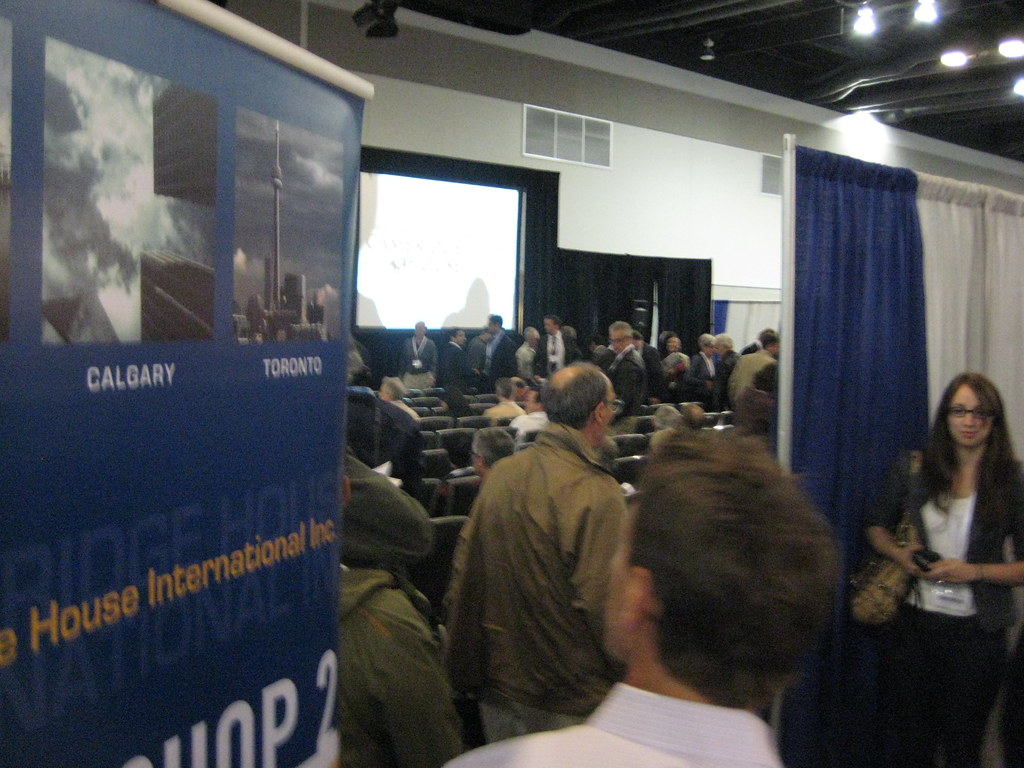 Cambridge House Investment Show Vancouver - Busy workshops (CCE)