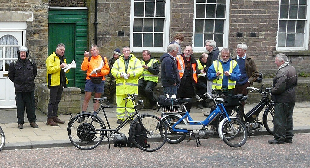 Northpeds group photie - Staindrop - Arthur, Brian, JohnSh, Stu, JohnSy, Martin,,,,,,,then Tom fixing the Raynal X