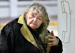 Homeless Woman_69 (PHOTOFLUSA) Tags: usa homeless redeye oldwoman fl miamibeach lennyfurman southbeachfl homelesswoman