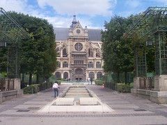 St Eustache Church and the Jardin des Halles.