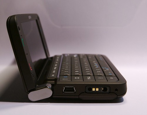 Nokia E90 lato