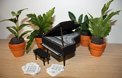 Piano and plants for diorama