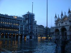 DSCF0015 (lilbuttz) Tags: venice italy piazzasanmarco flooded sanmarcosquare accentflorencespring2002