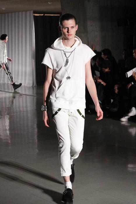 Matteo Haitzmann3056_SS11_Tokyo_DISCOVERED(Fashionsnap)