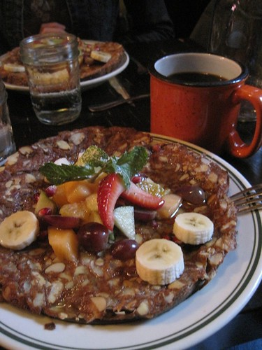 New York: Mud Coffee with Almond-Crusted French Toast. Photo by Dan Schumacher