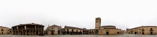 Panorámica de la Plaza en un día nublado