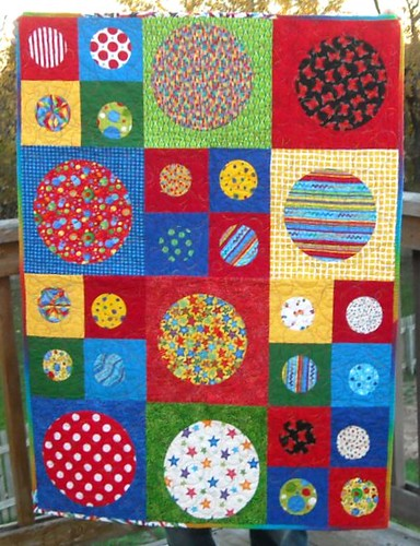 primary circles charity quilt