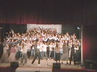 Coro Kennedy Infanto Juvenil junto al Coro de Niños y Jovenes de Hernando