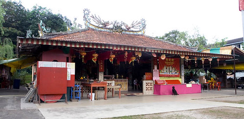 Chong Yee Temple with doggy