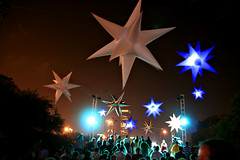 Stars (Kerrie Lynn Photography (Sugaree_GD)) Tags: blue white chicago night stars lights crowd august 2007 lollapalooza abigfave onlyyourbestshots sugareegd onlythebestare coolestphotographers