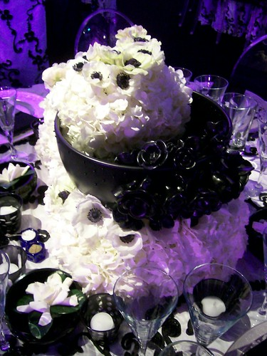 Black And White Wedding Table Centerpieces. Black and White Wedding Close