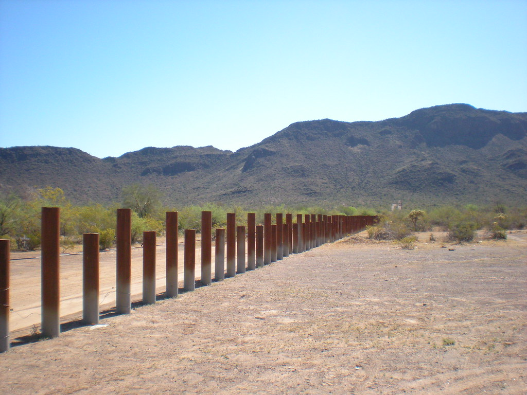 Border by Tohono O'odham Reservation, the US-Mexico wall