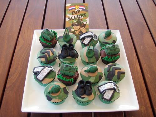 Mossy's Masterpiece - Army camo cupcakes