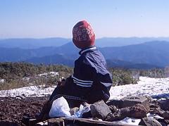 氷ノ山山頂にて(小4、9歳)