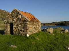 perfect shed (asgerd.) Tags: shed tinroof isleoflewis bernera croir