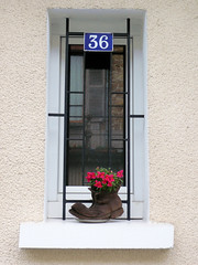 Tulle, son numéro 36, sa chaussure fleurie