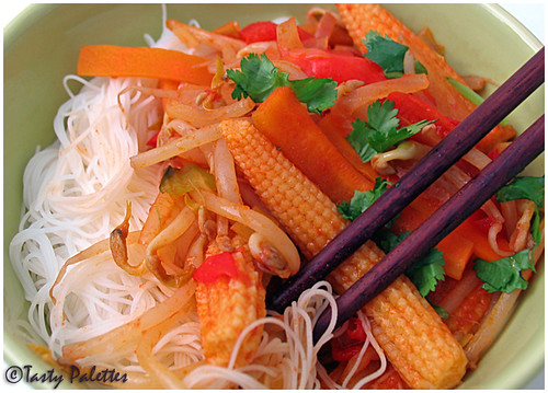 Rice Noodles with Vegetable Sauce