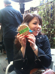 Laura and her Tate Modern fur burger (Francis Storr) Tags: tatemodern furburger