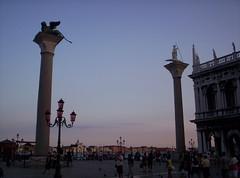 Venezia: Piazzetta San Marco (Grabby Walls) Tags: world travel venice sunset italy atardecer italia tramonto places venezia viaggi viaggio veneto viaggiare grabbywalls
