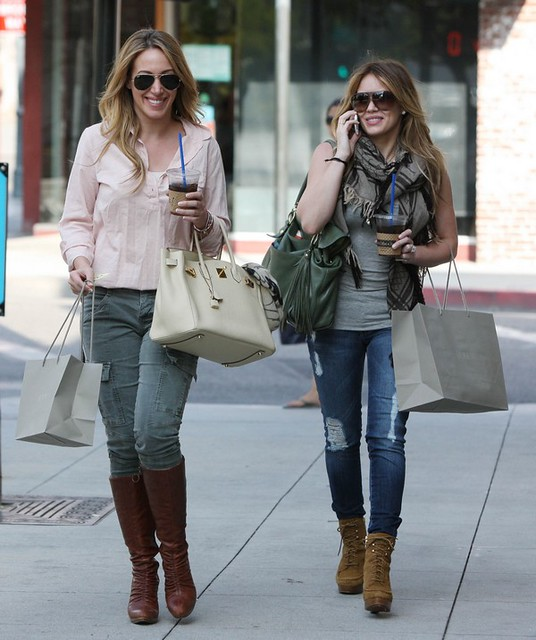 Shopping_in_Pasadena_with_her_sister__September_10__2010