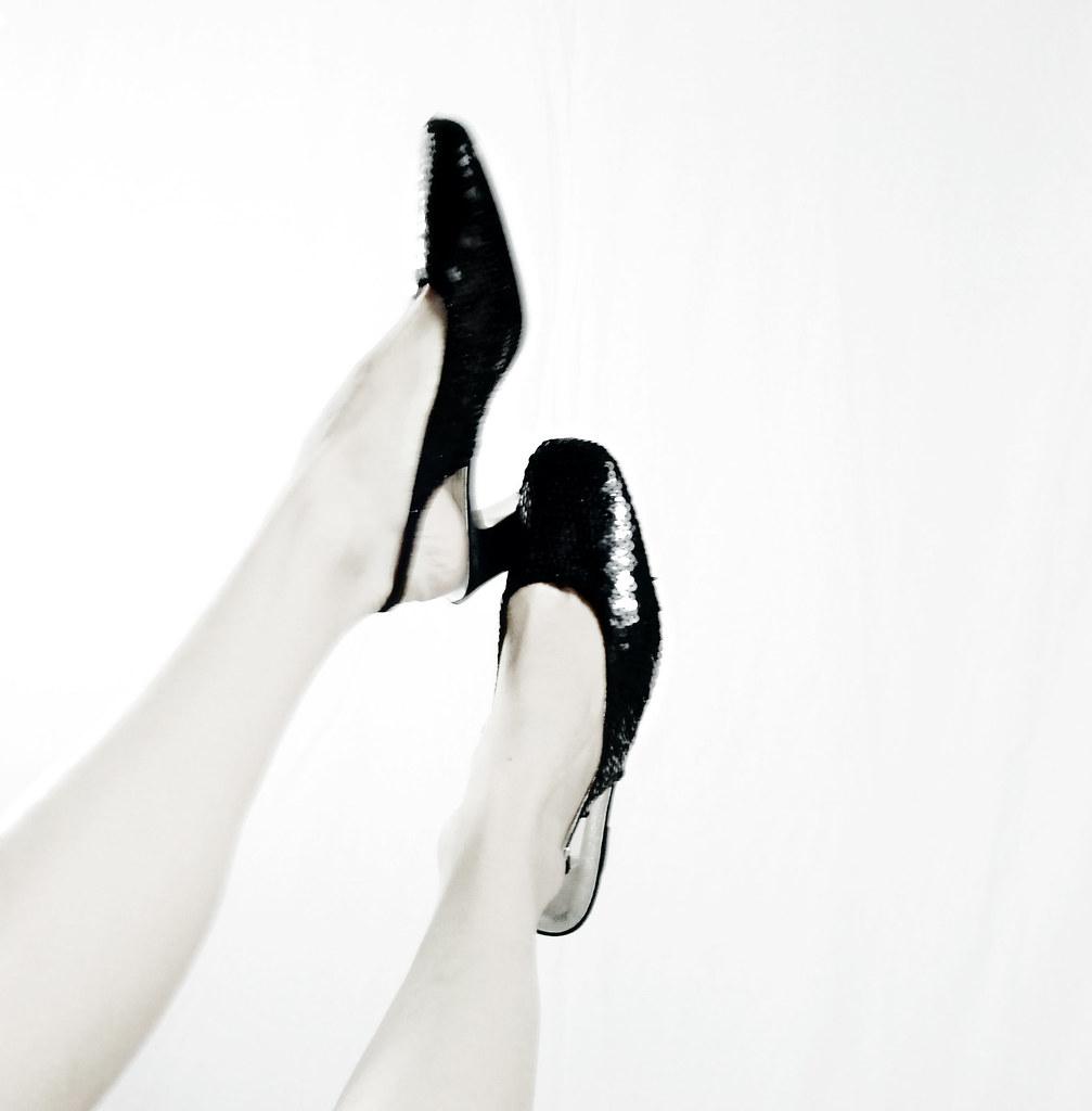Black Sequin Slingback Heels -Deadstock-