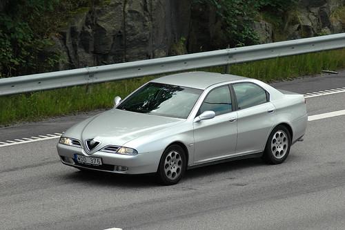 Alfa Romeo 166. Alfa Romeo 166