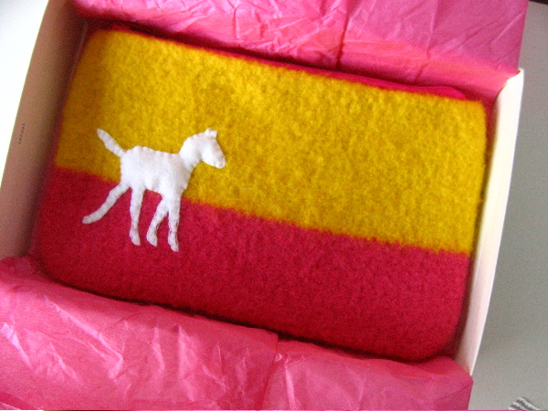 pony pouch (front)