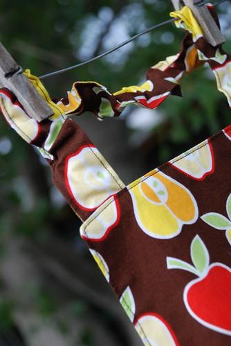 Montessori child's apron elastic neck strap