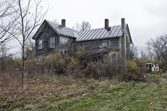 Scary House (Flapweb) Tags: old house abandoned scary vermont charlotte haunted murder shack